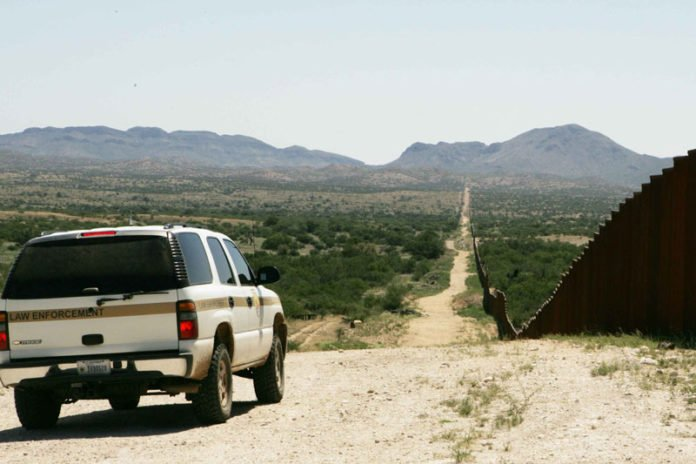 Border_patrol_car_patroling